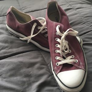 Like new burgundy Converse